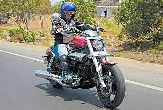 Hands-on with the Hyosung Aquila Pro