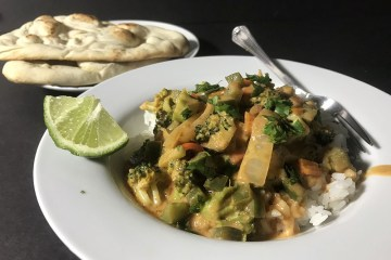 peanut vegetable red curry