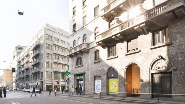 Ik heb een heel klein beetje geïnvesteerd in het opknappen en splitsen van een luxe appartement in Milaan. Zo vet.