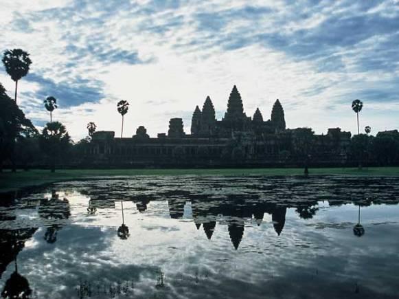 Angkor Wat in Siem Reap at dusk.