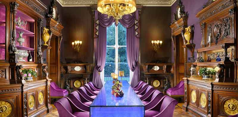 The spectacular color-changing table at Villa Cora in Florence. Here in blue.
