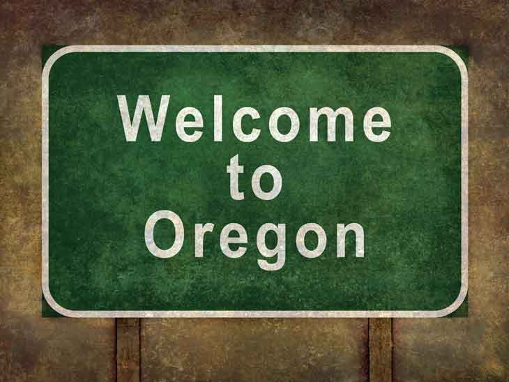 Welcome to Oregon sign.