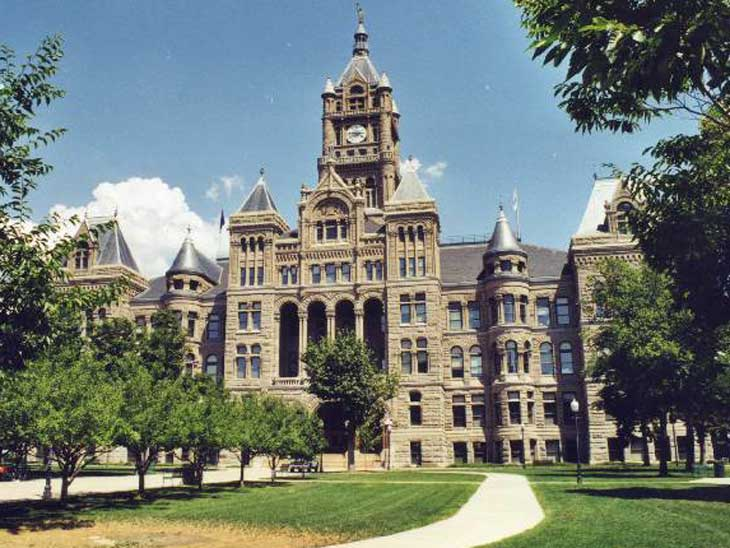 Salt Lake City townhall. Image from Wikipedia.