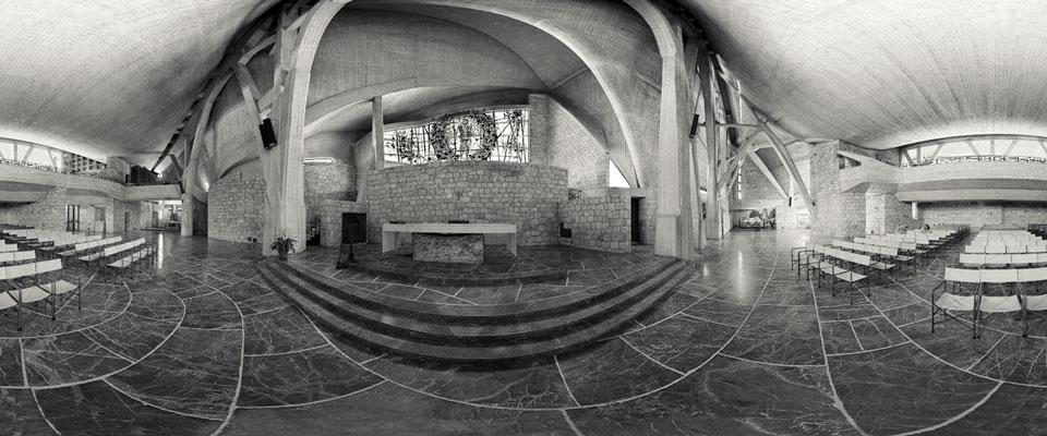 Navata della Chiesa di San Giovanni: altare