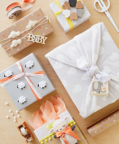 Baby Giftwrap Ideas | thinkmakeshareblog.com