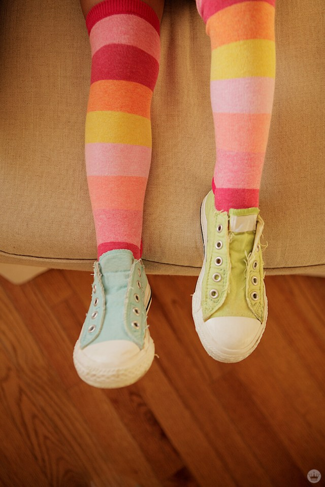 Back-to-school picture ideas: striped socks and mismatched shoes