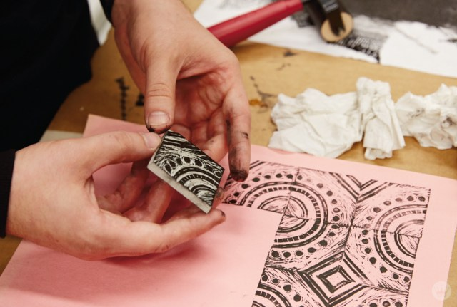 Making patterns in a Hallmark block printing basics workshop