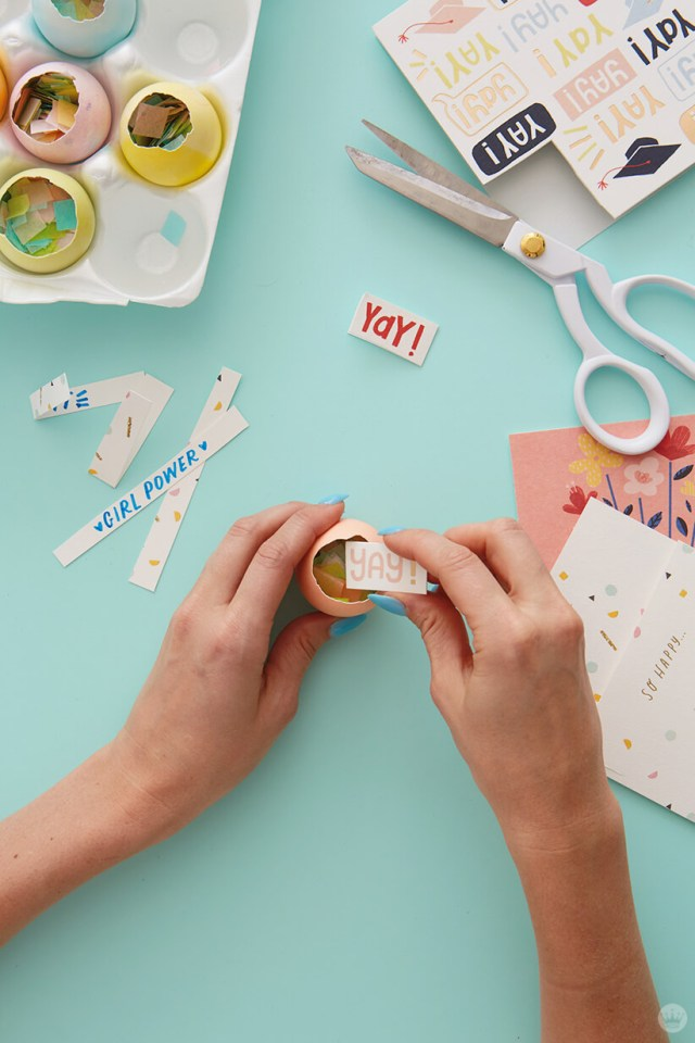 Adding messages to confetti eggs | thinkmakeshareblog.com
