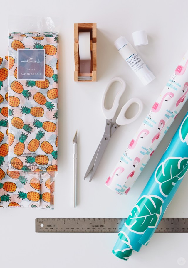 Creative Wrapping Paper Party Decorations | thinkmakeshareblog.com