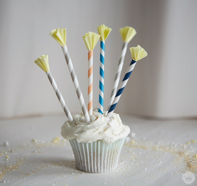 Cupcake Decorations | thinkmakeshareblog.com