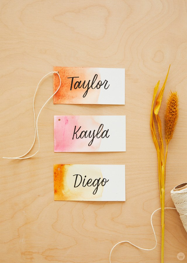 Dip-dye Friendsgiving place cards | thinkmakeshareblog.com