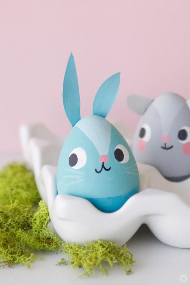 Painted Easter bunny egg| thinkmakeshareblog.com