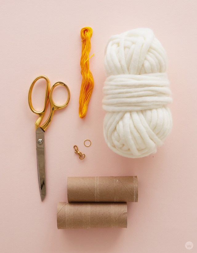 DIY Chunky Yarn Keychain: Pom pom supplies
