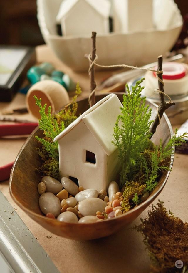 Handmade fairy house: Make your own tiny world - Think Make
