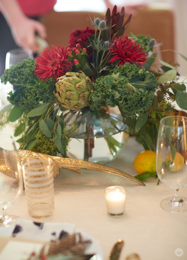 Friendsgiving tabletop inspiration | Make a beautiful floral arrangement from grocery store blooms and produce | thinkmakeshareblog.com