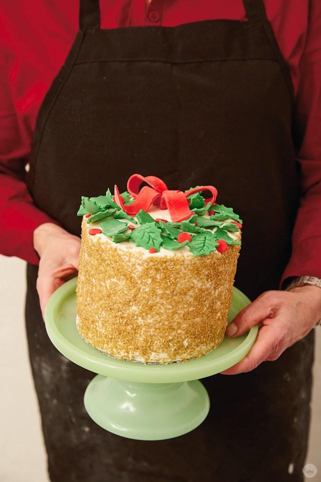 Holiday cake ideas: Layer cake with fondant wreath and sugar decor