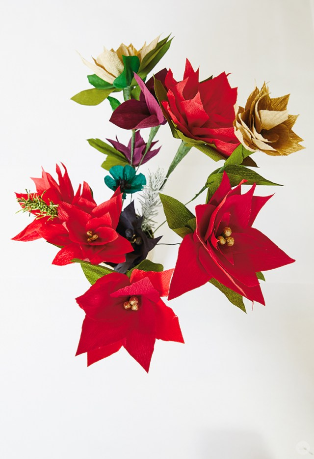 Origami Christmas table decorations. Easy Poinsettia Decor DIY ... | 934x640