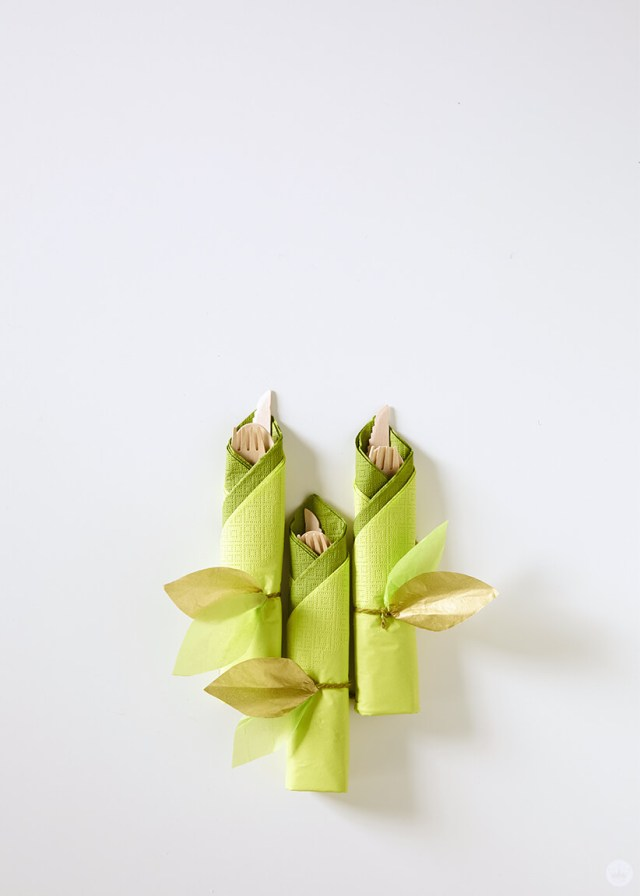 the DIY paper vine garland used as a napkin ring | thinkmakeshareblog.com
