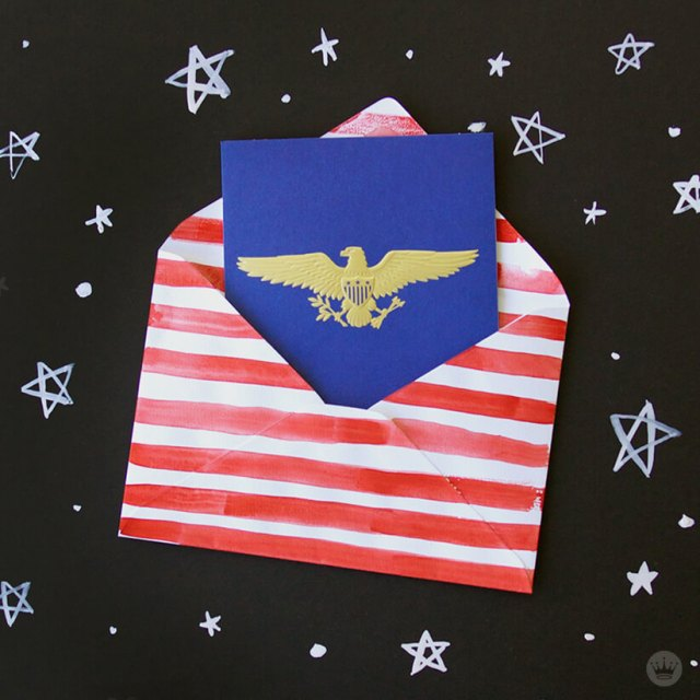 Memorial Day shareable - American Eagle card in flag envelope | thinkmakeshareblog.com