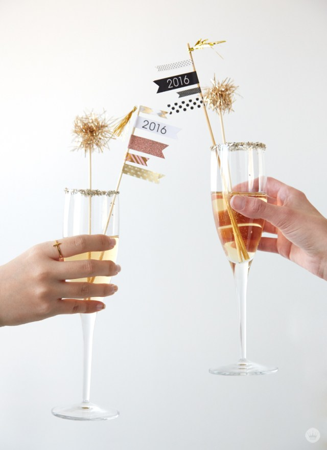New Years Eve crafted cocktail ideas with free printables | thinkmakeshareblog.com