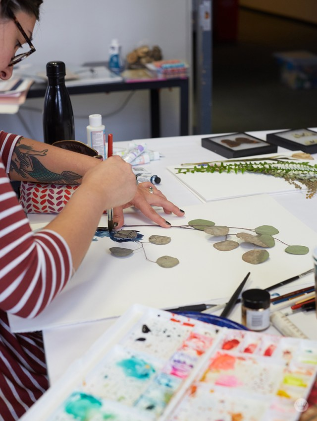 Pressed flower ideas: Using paint with pressed flowers
