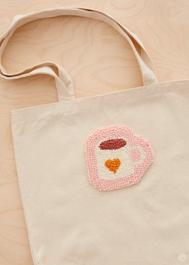 Needle punched coffee mug patch on a tote bag | thinkmakeshareblog.com