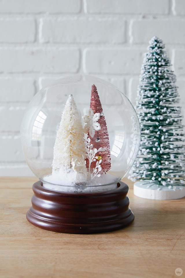 Waterless DIY Christmas snow globe