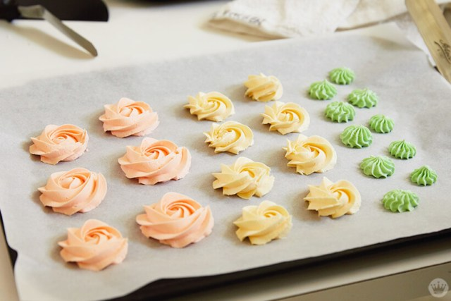 Buttercream rosettes