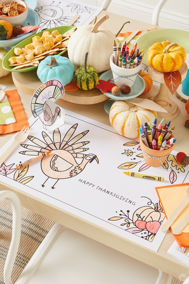 thanksgiving kids' table crafts : Turkey placemat and place card
