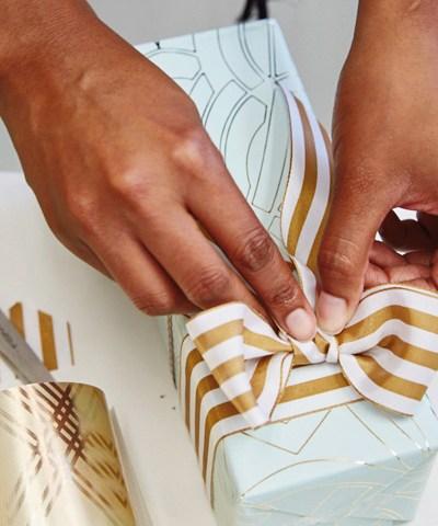 The Art of Giftwrap for Wedding Edition | thinkmakeshareblog.com