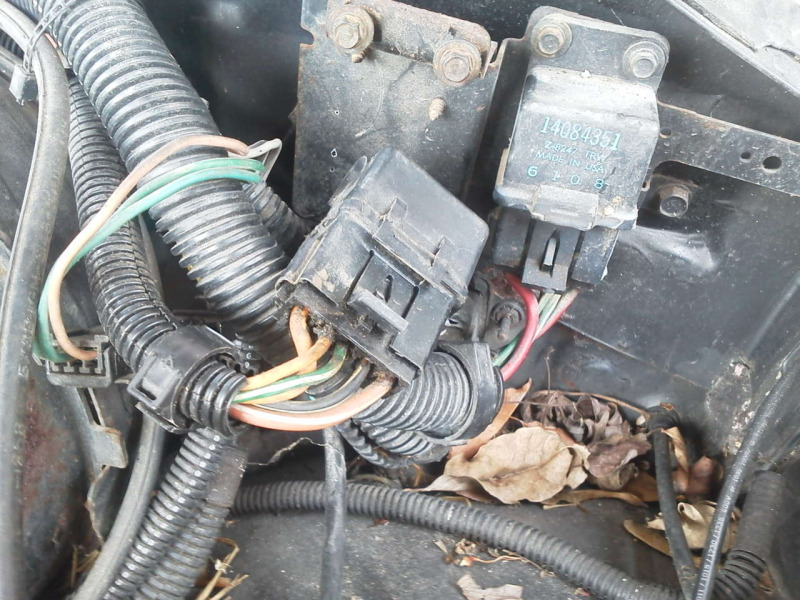 Relay With Red Power Green And Black Ground Wires On