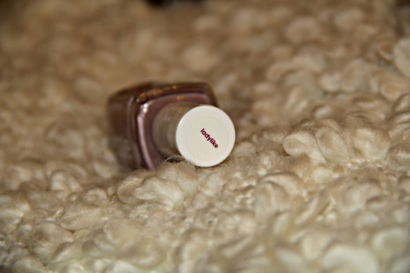 essie ladylike color