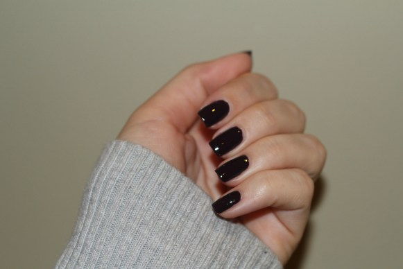carry on color on nails