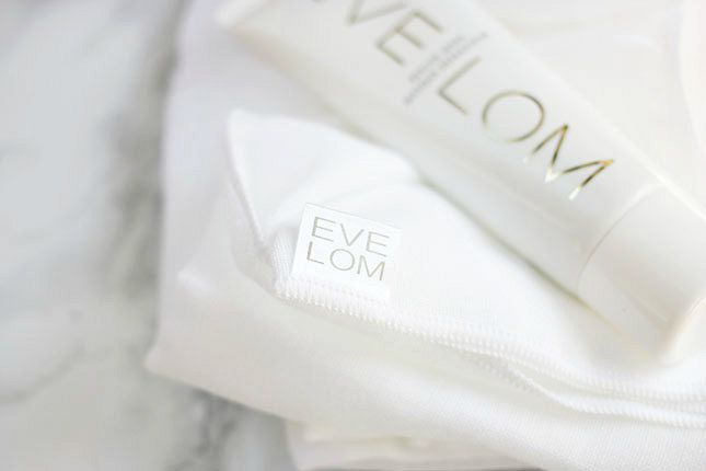 eve-lom-cleansing-cloths