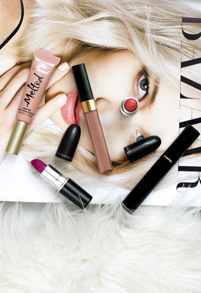 summer-makeup-bag