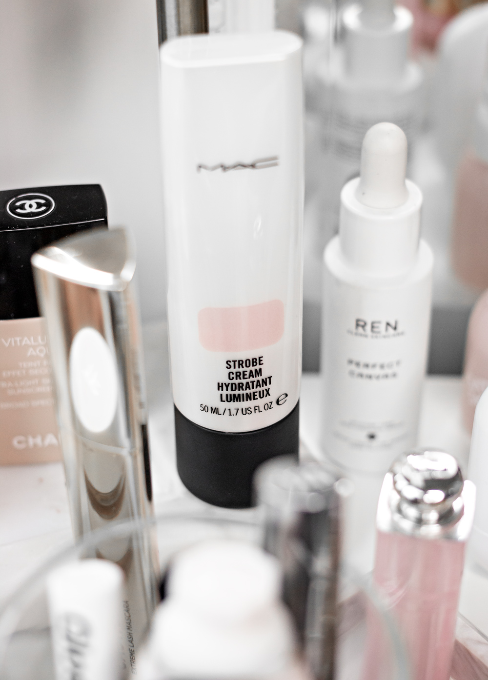 """The """"no makeup"""" makeup is all about fresh skin and enhancing some of your best features."""
