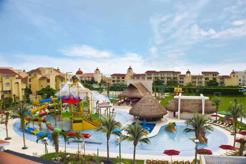 Mexico Resorts with the Best Waterparks for Kids: All Ritmo Cancun