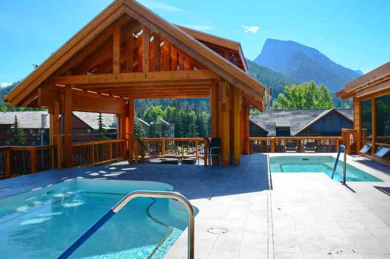 Rooftop Hot Pools at Moose Hotel & Suites