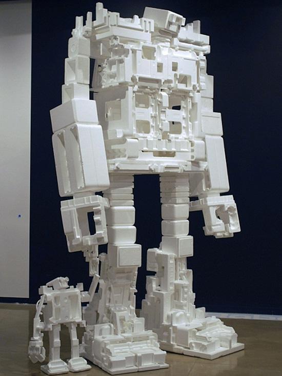 big-and-small-robots