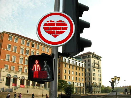 heart-brick-sign