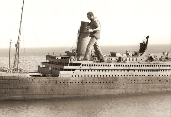 rise-of-titanic-guy-on-model