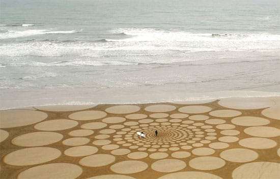 circles-beach-art