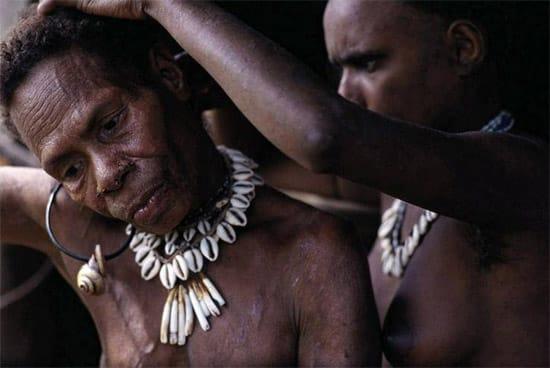indonesian-tree-people