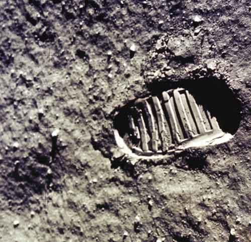 Controversial Points about the Moon Landings and the Footprints
