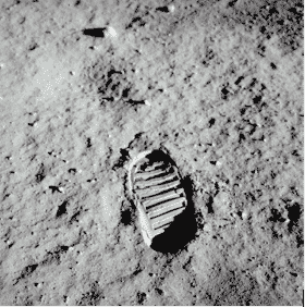 Famous Photos and The Moon Footprint Photo