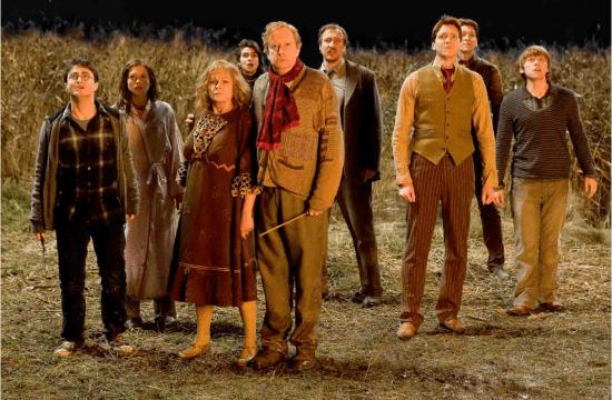 Weasley-HP-6-the-weasley-family-33274190-1072-702
