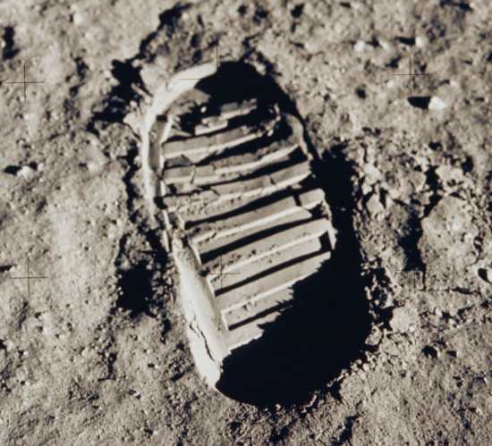 9 Amazing Facts About the Moon1