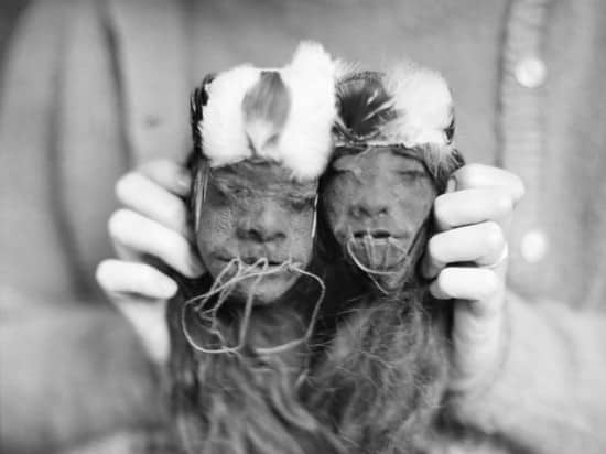 0112_ShrunkenHeads_12062011_Featured