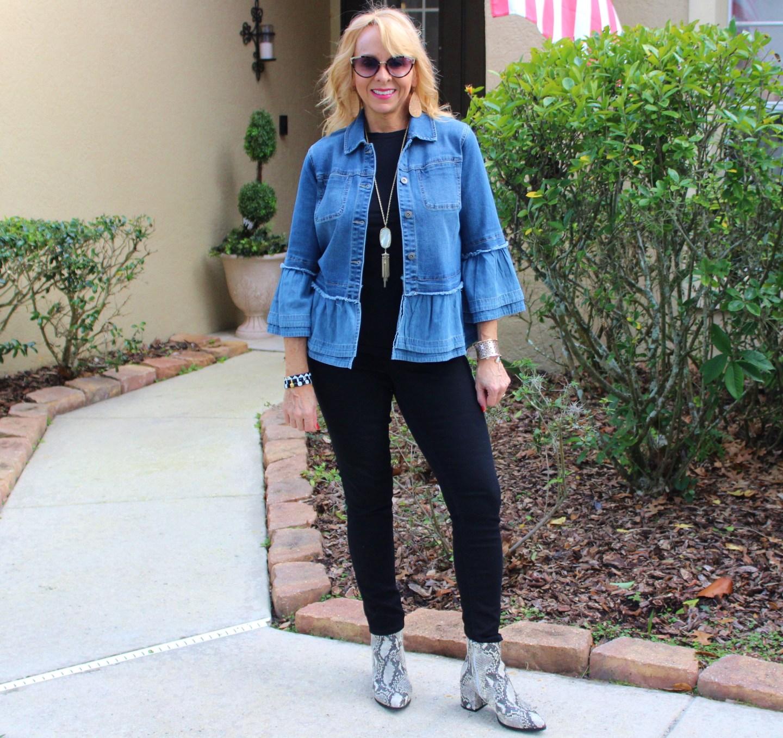 Black jeans + top + denim jacket