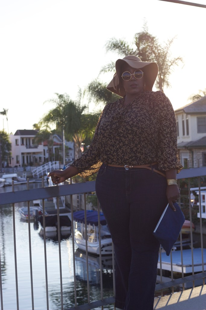 Outfit of the day, OOTD, Plus Size, Plus Size Fashion, Fashion, Style, Trend, 70s Trend, Flare Jeans, Curvy Girl, PSblogger, Fashion blog, Lifestyle Blog